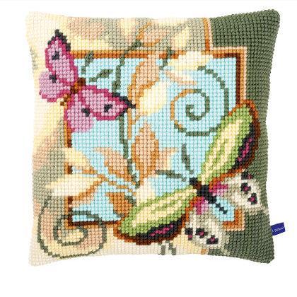 Cuscino farfalle 2 da vervaco cuscini kit punto for Farfalle punto croce