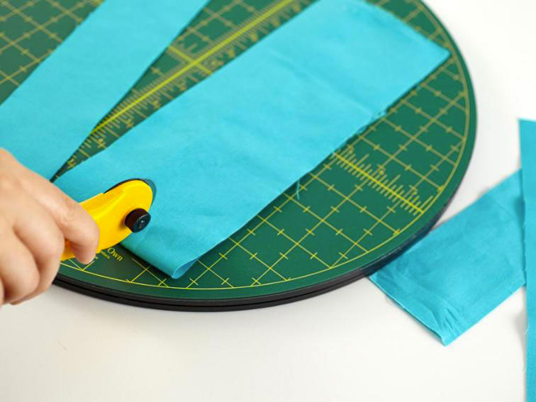Rotating Cutting Mat 15 Quot From Matilda S Own Quilting