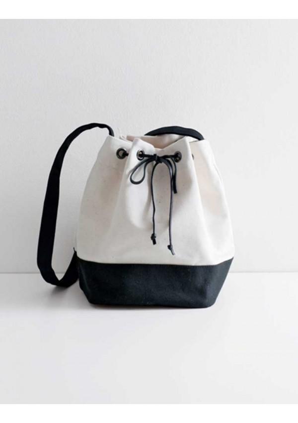 sacs accessoires en toile de coton from les dition de saxe books and magazines books and. Black Bedroom Furniture Sets. Home Design Ideas