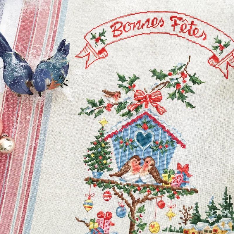 Petite Maison De Noel Torchon « Petite maison de Noël »   Linen From Les Brodeuses